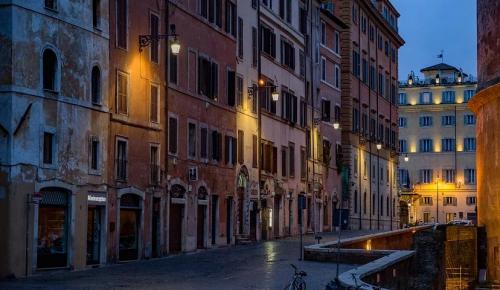 Режим чрезвычайной ситуации из-за коронавируса в Италии продлен до конца апреля