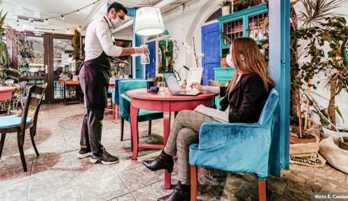 Собянин восстановил привычный режим работы баров и ночных клубов