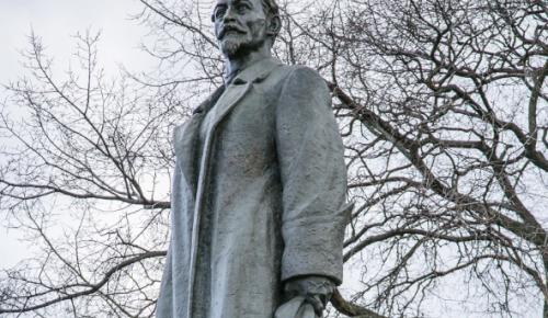 Общественная палата Москвы обсудит установку памятника на Лубянской площади