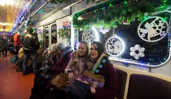 Поезда столичного метро и МЦК в рождественскую ночь перевезли более трехсот тысяч человек