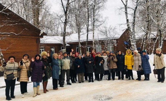 Участники проекта «Московское долголетие» филиала «Академический» побывали в усадьбе Голицыных