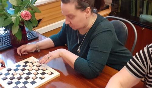 Сильнейшие в Академическом районе игроки в шашки определены на отборочных соревнованиях