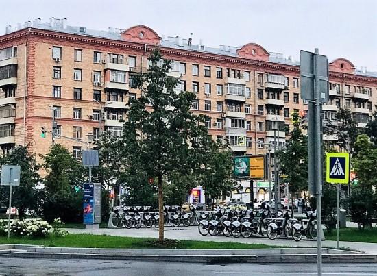 Мусоропровод в многоквартирном доме на Нахимовском проспекте, 38 привели в порядок