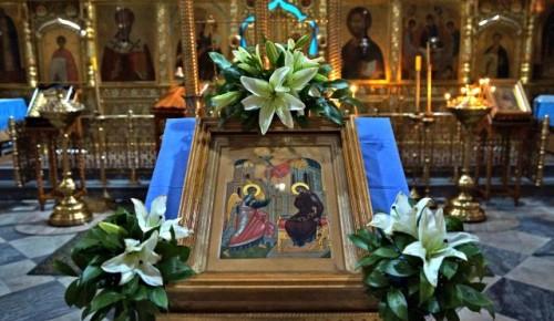 В храме Живоначальной Троицы прошли торжественные Богослужения в честь праздника Благовещения Пресвятой Богородицы