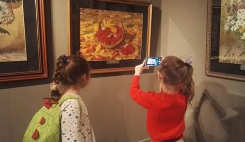 Впечатления от посещения галереи Сергея Андрияки помогает участникам «Гармонии» создавать собственные шедевры
