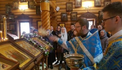 В храме Всех Преподобных Отцев Киево-Печерских освящены иконы Преподобного Илии Муромца и святых Жен-мироносиц