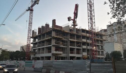 В Академическом районе идет строительство жилого комплекса по программе реновации