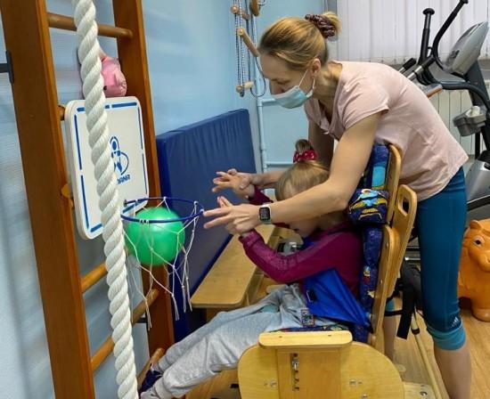 В филиале «Академический» провели открытое занятие для детей с поражением ЦНС