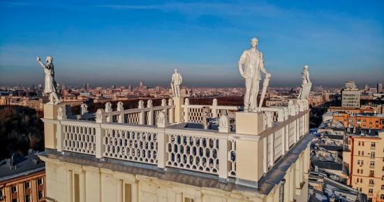 Скульптуры конца 1940-х годов отреставрировали на площади Гагарина в Москве