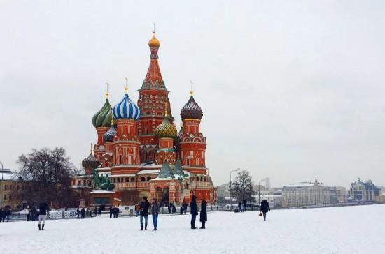 Посетители Красной площади смогут бесплатно привиться от COVID-19