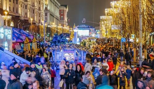 В новогодних гуляньях в Москве приняли участие 2,7 миллиона человек