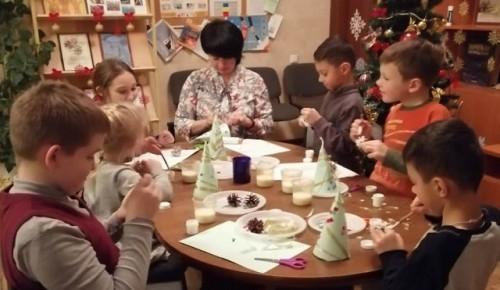Юные жители Черемушек приняли участие в мастер-классе «Рождественский пряник»