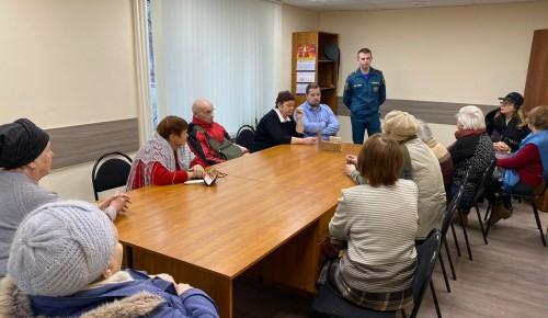 Жителям Черемушек рассказали о правилах поведения при пожарах