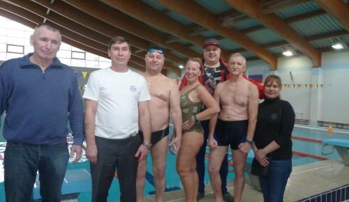 Спортсмены старшего поколения из Черемушек заняли второе место на окружных соревнованиях по плаванию