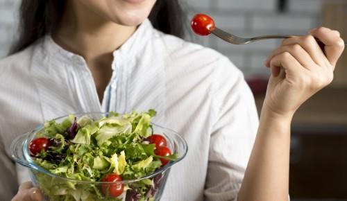 Диетологи порекомендовали горожанам, как переходить на питание после поста