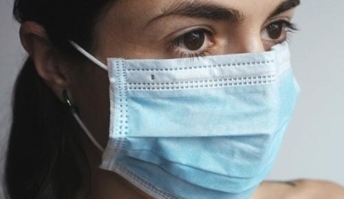 Жителям ЮЗАО рассказали, как необходимо носить защитные маски и перчатки