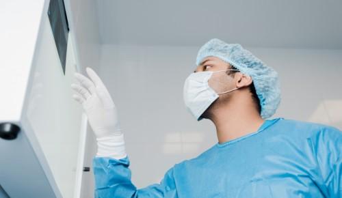 По поручению Собянина в регионы направят врачей для борьбы с COVID-19