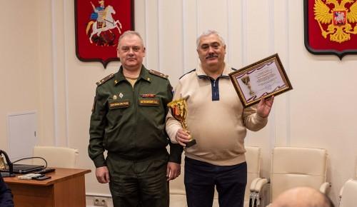 Губкинский университет был награжден кубком за успехи в области воинского учета