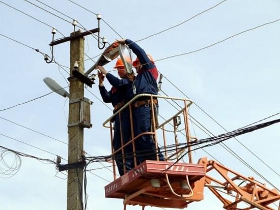 На Ленинском Проспекте починили неисправный уличный фонарь