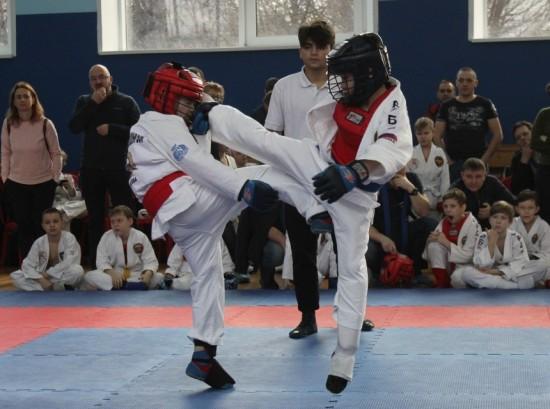 Спортсмены из дворца пионеров успешно выступили на соревнованиях по армейскому рукопашному бою