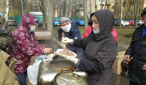 Жители Гагаринского района помогают устранить последствия пожара на Ленинском Проспекте