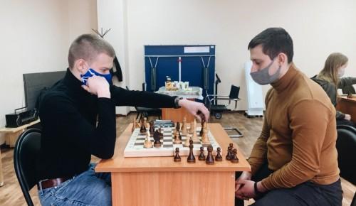 Активисты Гагаринского района организовали шахматный турнир