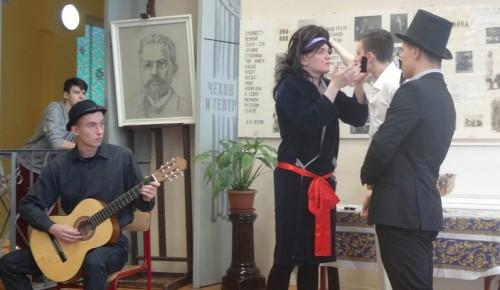 Школа №17 имени А. П. Чехова продолжает отмечать 160-летие со дня рождения писателя