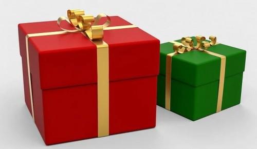 До 8 января в Москве продлится новогодняя акция «Эстафета подарков»