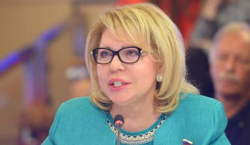 Депутат Елена Панина не оставила без внимания аварийный участок дороги