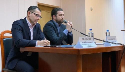 Глава управы Владимир Промыслов встретился с котловчанами