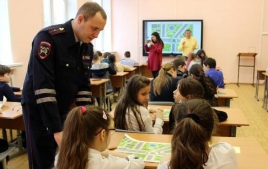 «Юго-Запад» принял участие в городской акции «Засветись!»