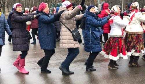 """Для жителей Ломоносовского района состоялся праздник """"Крещенские забавы"""""""