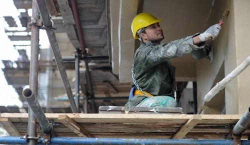 В Ломоносовском районе продолжается капитальный ремонт жилых домов