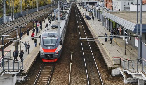 Рядом со станцией МЦД-1 «Дегунино» отремонтировали остановки и парковочные места