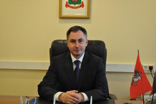Поздравление с 8 марта главы управы В.В. Хизирьянова