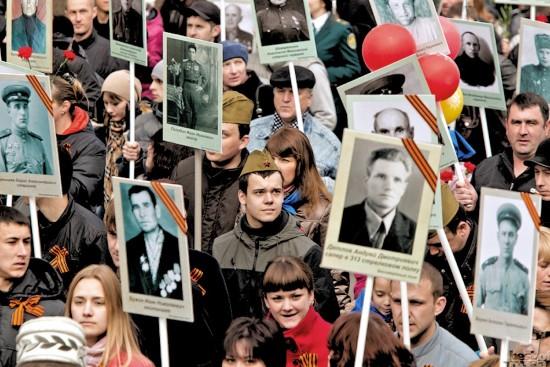 """В акции """"Бессмертный полк"""" готовы принять участие более 165 тысяч человек"""