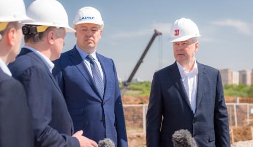 Сегодня мэр Москвы Сергей Собянин осмотрел ход реконструкции Калужского шоссе.