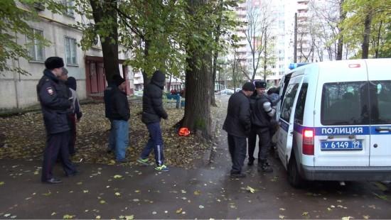 Житель Обручевского района незаконно поселил в своей квартире 12 иностранных граждан