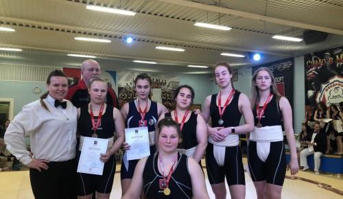 Воспитанницы «Самбо-70» на городском турнире по сумо завоевали 19 наград