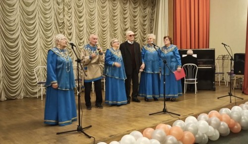 На концерте для ветеранов звучали «Родные голоса»
