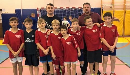 Школьники Теплого Стана стали чемпионами турнира по мини-футболу