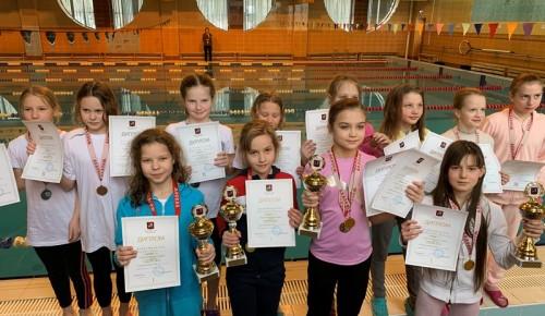 Пловцы «Самбо-70» взяли серебро на городском турнире
