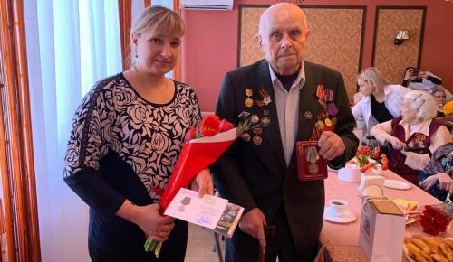 Ветеранам Великой Отечественной войны вручили юбилейные медали