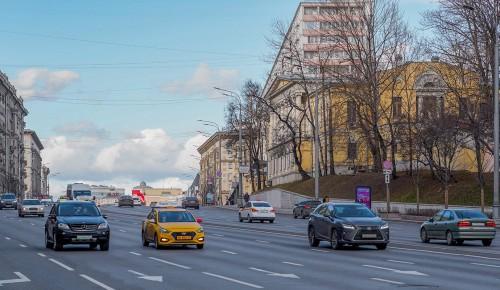 В Мосгордуме отметили, что цифровые пропуска для поездок на работу продлят до 31 мая автоматически