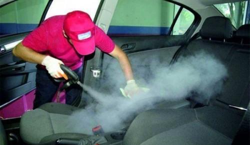 На «Бульваре Дмитрия Донского» появились бесплатные устройства для чистки автомобилей