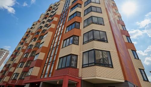 В Южном Бутове жители дома 194, корпуса 2 на Варшавском шоссе переехали в новые квартиры по программе реновации
