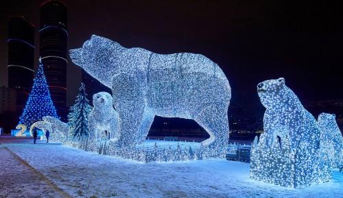 В Москве к новогодним праздникам установлено 4 тыс больших и малых световых конструкций
