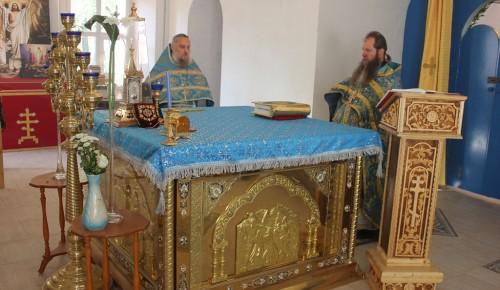 В храме Фёдора Ушакова отслужили праздничное Богослужение