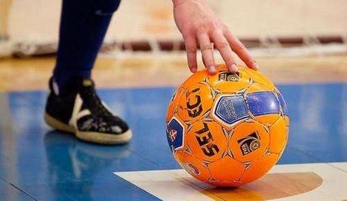 Команда Подворья по мини-футболу одержала победу