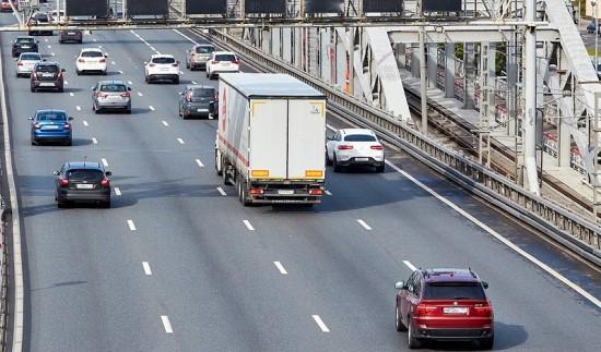 Грузовые автомобили с 1 февраля поедут по новым правилам в районе Зюзино